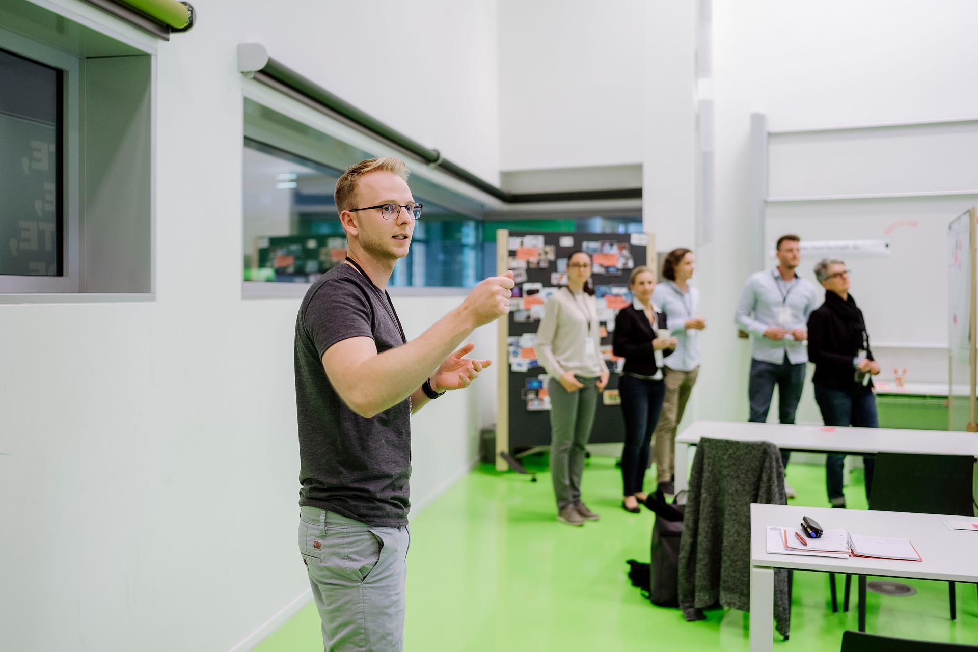 """""""Tech Radar — Offenes und kollaboratives Tool zur Auseinandersetzung mit Technologie Trends"""" Marko Berndt, TH Wildau"""